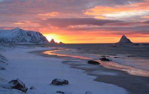 Vakker solnedgang over Bleikstranda I