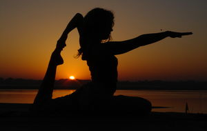 Yoga i soloppgang