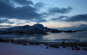 Mørketid i nord, med litt morgenlys