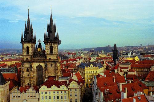 Prags takåser