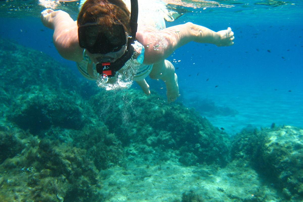Snorkling i kristallklart vatten