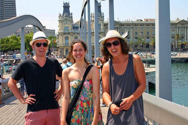 Glad gjeng i Barcelona.