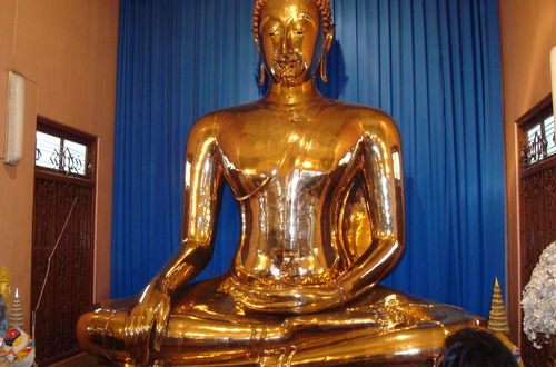 Guldbuddhan i templet Wat Traimit