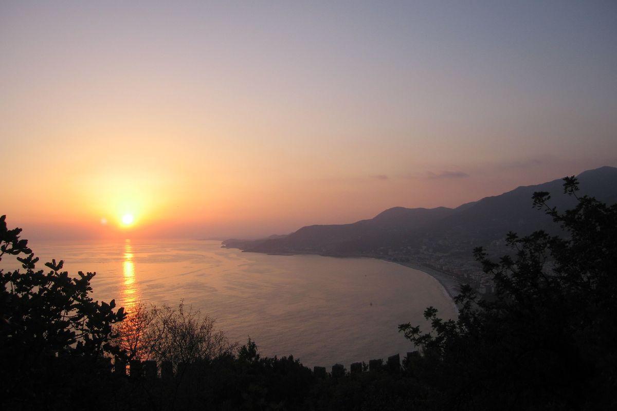 Solnedgång över västra Alanya ©